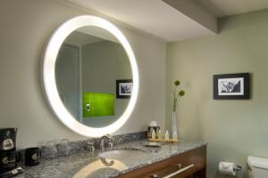 http://theplumbingplace.com/wp-content/uploads/2015/09/Electric-Mirror-300x200.jpg
